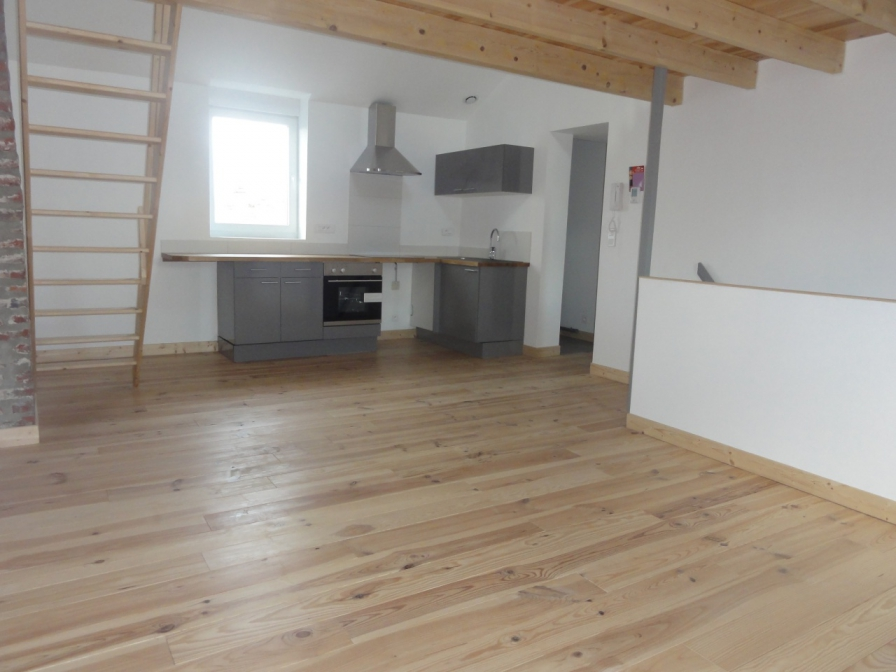 Appartements / Lofts à louer sur Comines - réf. : co650locT2bduplex - 0